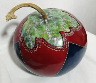 Hand-painted Gourd Sewing Kit $5800 pesos plus shipping (mas envio)
