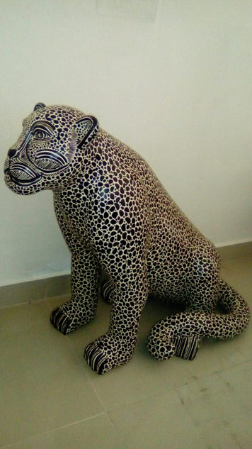 Jaguar $6,500 pesos plus shipping (mas envio)