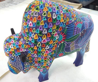 Buffalo — $1,800 pesos plus shipping (mas envio)