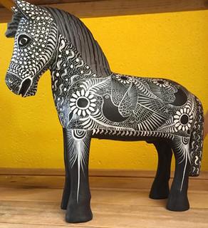Hand-carved Wood Horse with Nahual Paintings $1500 pesos plus shipping (mas evio)