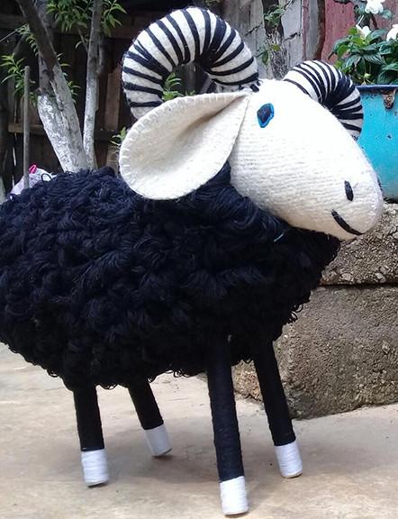Handmade Wool Lamb: Large $2,500, Medium, $2,000, Small $300 plus shipping (mas envio)