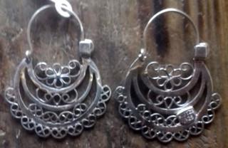 Arracada Xani silver earrings $1500 pesos plus shipping (mas envio)