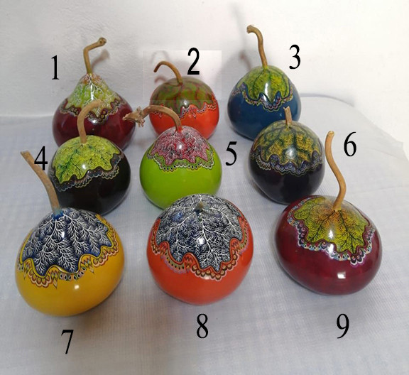 Hand-painted Gourd Jewelry Boxes $800 each/cu plus shipping (mas envio) -- Please note the number of your choice