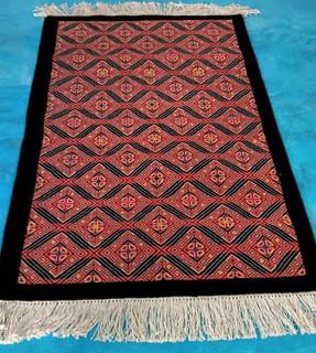 """Larrainzar"" Oriental-style hand-knotted rug $10,160 pesos plus shipping (mas envio)"