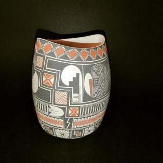 Flat  bottom with traditional designs $4,400 pesos plus shipping (mas envio)