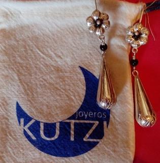 Lagima grabada silver earrings with black agate $2050 pesos plus shipping (mas envio)