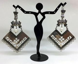 Mazahua Quexquemetl earrings with fretwork $2,500 pesos plus shipping (mas envio)