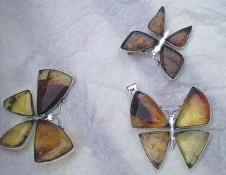 mendozaestrada-necklace4-large.jpg