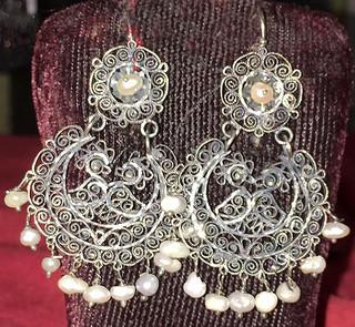 Pearl & Silver Filigree Earrings $1,900 pesos plus shipping (mas envio)