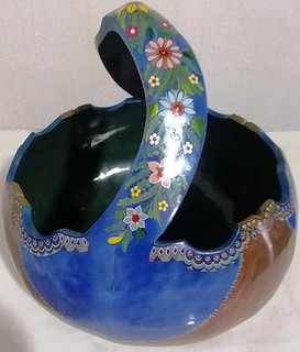 Hand-painted Gourd Basket $3500 pesos plus shipping (mas envio)