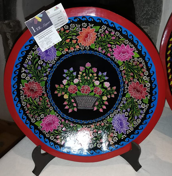 """Basket with Castile Roses"" $10,000 pesos plus shipping (mas envio)"
