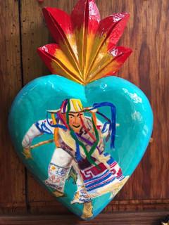 Heart $850 plus shipping (mas envio)