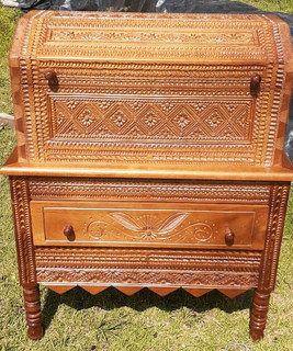 Baul/Chest hand-carved all 4 sides $8,500 pesos plus shipping (mas envio)