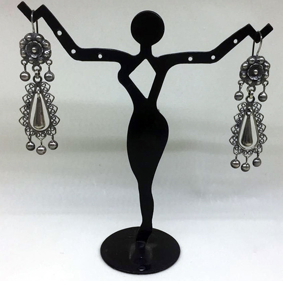 Mazahua Tepeolulco earrings with bluish finish $1,900 pesos plus shipping (mas envio)