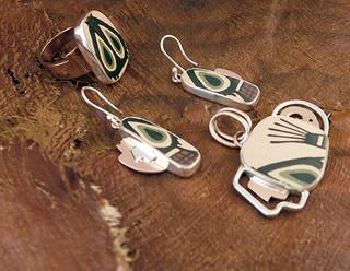 Set: Ring, earrings and necklace $2,220 pesos plus shipping (mas envio)