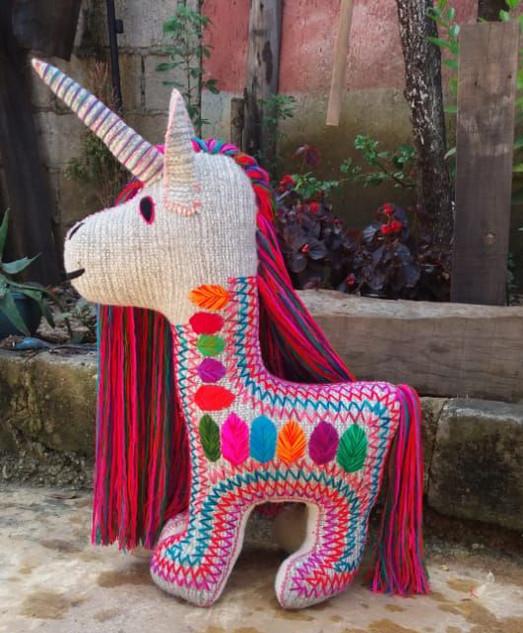 Handmade Wool Unicorn $2500 pesos plus shipping (mas envio)