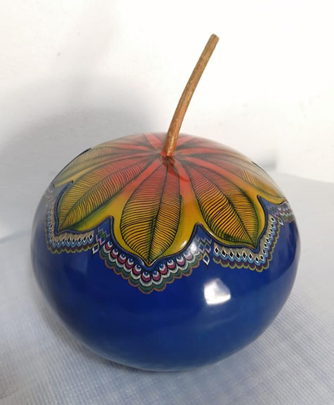 Hand-painted Gourd Sewing Box $2,200 pesos plus shipping (mas envio)