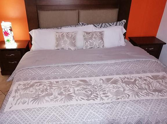 Otomi Hand-embroidered Table or Bed Runner Beige $1500 más gastos de envío (mas envio)