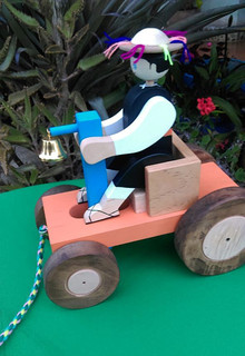 Boy in Wagon $285 pesos plus shipping / mas envio