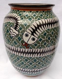 vase $2,000 pesos plus shipping (mas envio)