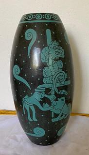 Mayan Barro Bruñido Vase $1,200 pesos plus shipping (mas envio)