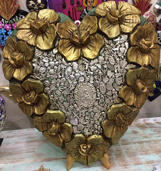 Hand-carved Wood Heart $3500 pesos plus shipping (mas envio)
