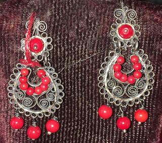 Red Coral & Silver Earrings $600 pesos plus shipping (mas envio)
