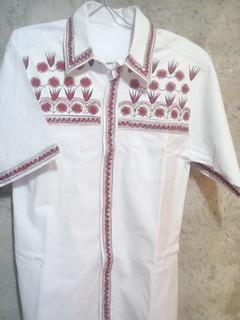 Camisa de manta bordado talla 38y36 $750