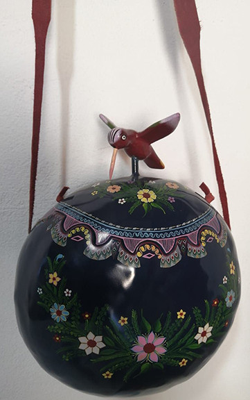 Hand-painted Gourd Purse $2,500 pesos plus shipping (mas envio)
