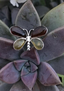 Butterfly amber & silver ring $320 pesos plus shipping (mas envio)