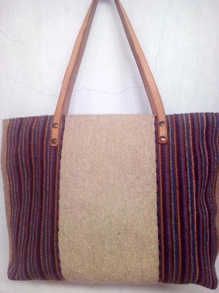 Wool Bag - Reverse side/El reverso