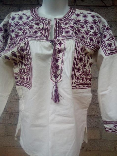 Small Embroidered Shirt $800 pesos plus shipping / mas envio