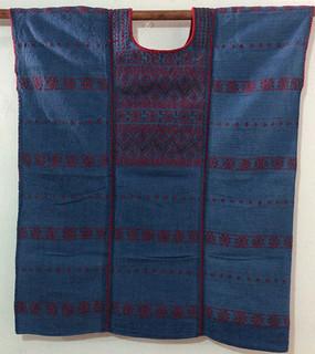 5500 corto, 3 lienzos teñido con añil y brocado rojo mercerizado, 72 cm ancho x 82 cm larg