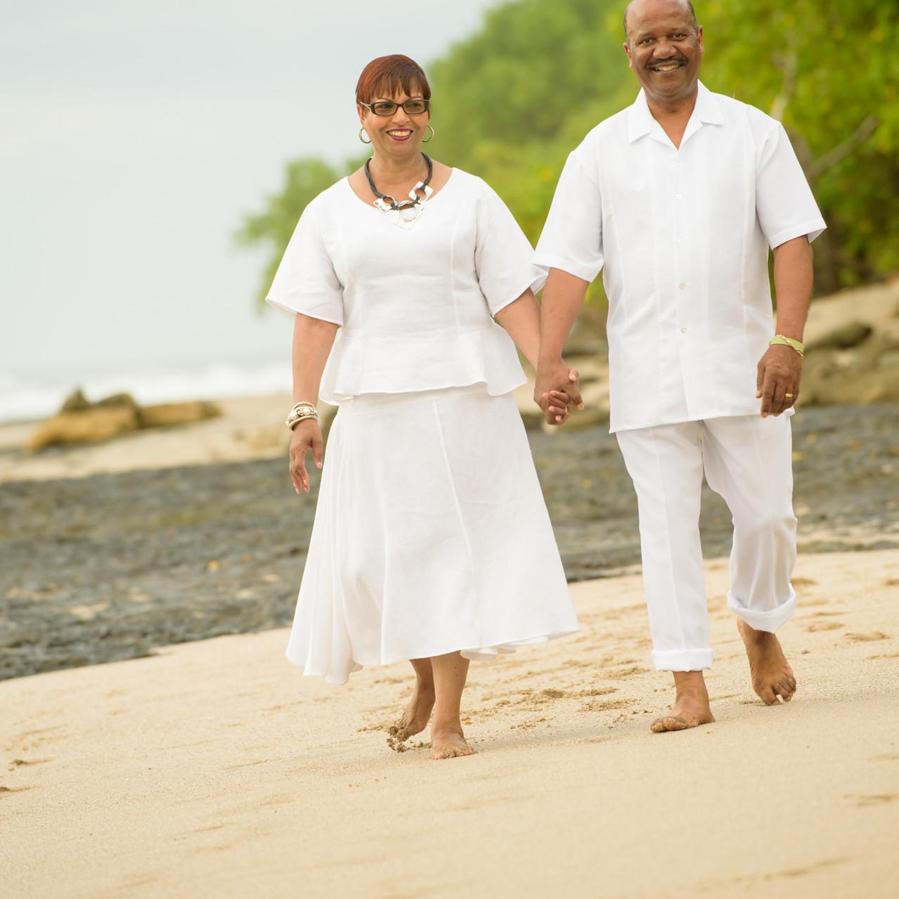 Sandy strolls at Playa Langosta