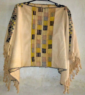 Cape-style Huipil Hand-woven using Natural Dyes $1,900 pesos plus shipping (mas envio)