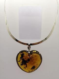 Amber Heart Necklace $1,700 pesos plus shipping (mas envio)