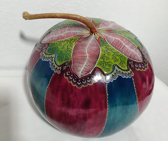 Hand-painted Gourd Leaf Jewelry Box $4500 pesos plus shipping (mas envio)