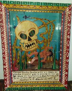 Box: Pulpo (octopus) $2000 plus shipping (mas envio)
