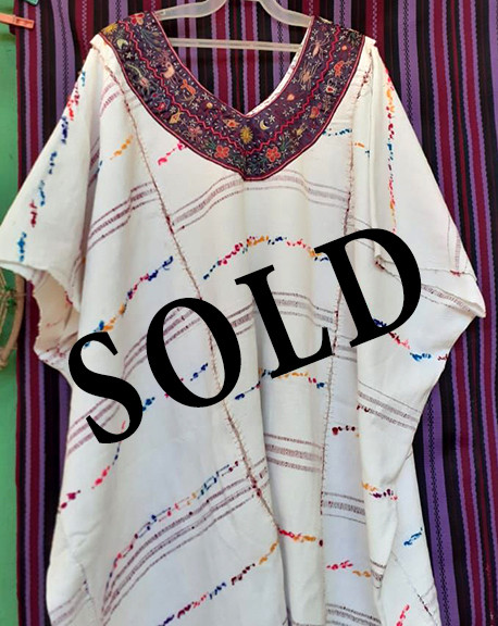 SOLD.--Large Huipil $5,000 pesos plus shipping / mas envio