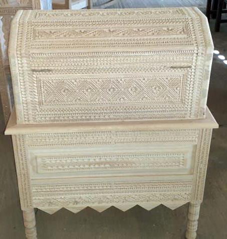 Hand-carved trunk $6,500 pesos plus shipping (mas envio)