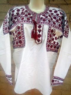 Medium Embroidered Shirt $800 pesos plus shipping / mas envio