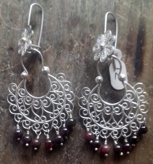 Silver filigree earrings with granates $2000 pesos plus shipping (mas envio)