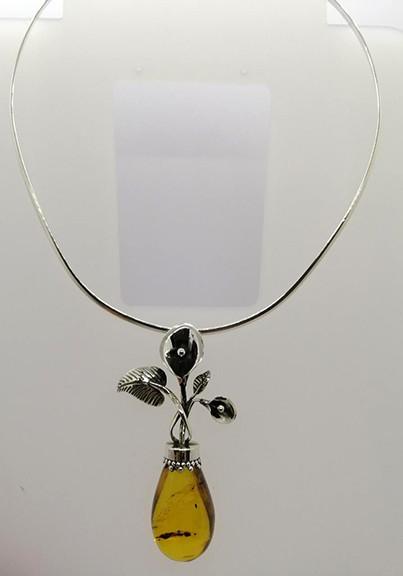 Amber & Silver Necklace $1,500 pesos plus shipping (mas envio)