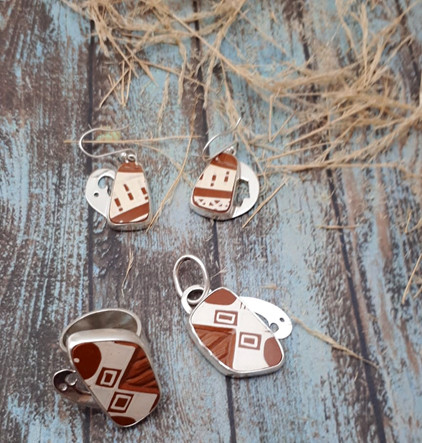 Silver with Mata Ortiz Pottery Set: Earrings, Ring, Pendant with Silver Necklace $5,005 pesos plus shipping (mas envio)