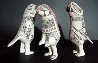 Three rabbit & macaw figurines, painted with traditional Paquime designs $100 USD/$2011 pesos plus shipping (mas envio)