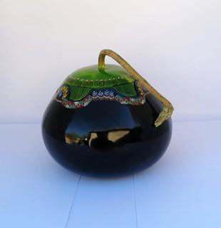 Eggplant-colored jewelry box circumference 41 cm.  Height 11 cm. Price$850.00.jpeg