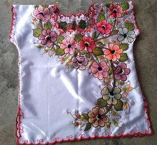 White Embroidered Blouse $650 pesos plus shipping (mas envio)