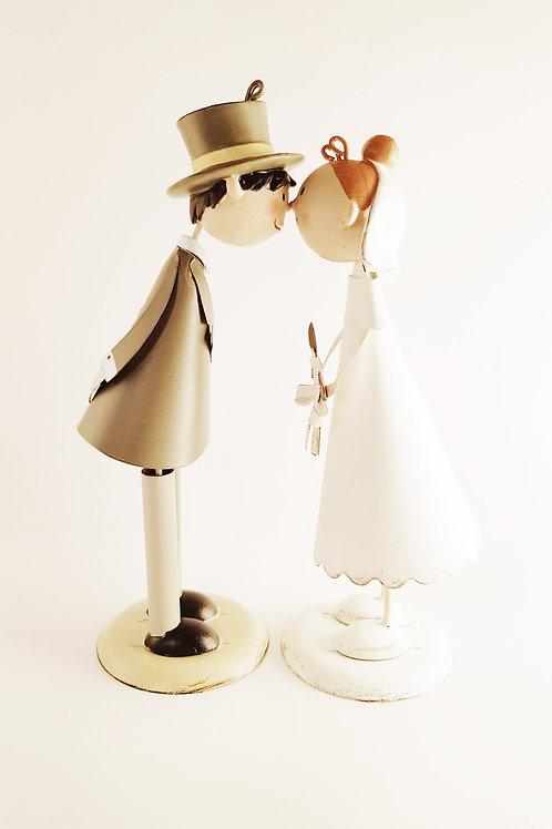 Hochzeitspaar, magnetischer Kuss