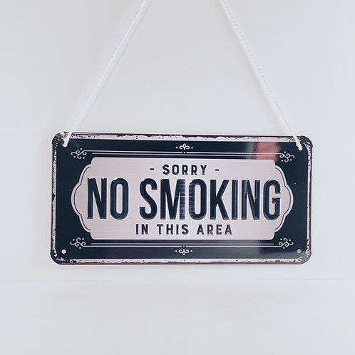 "Schild ""No smoking"""