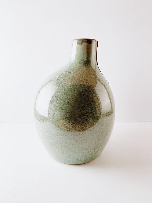 Vase patinagrün